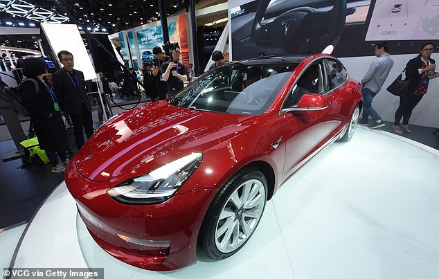 Customers Likely To Respond Favorably To Tesla's Plan To Sell Cars Online